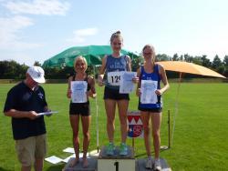 Siegerehrung 75m Sprint. 1.und3. Platz für Kitzingen.  Sophie Gühlen und  Emma Ruß